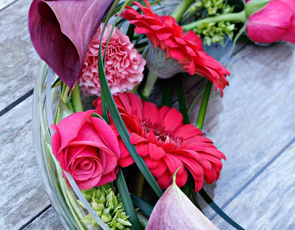 Kukkakauppa floristimestari Kirsi Saarenpää